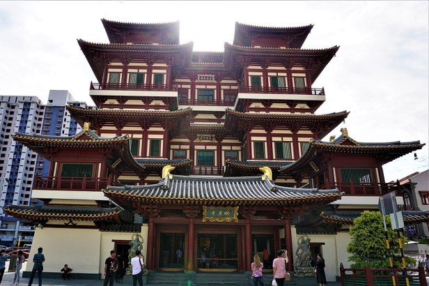 Buddha Tooth Relic Temple and Museum - www.joyofmuseums.com - exterior
