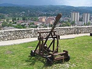 Katapult na dobojskoj tvdjavi Gradina.