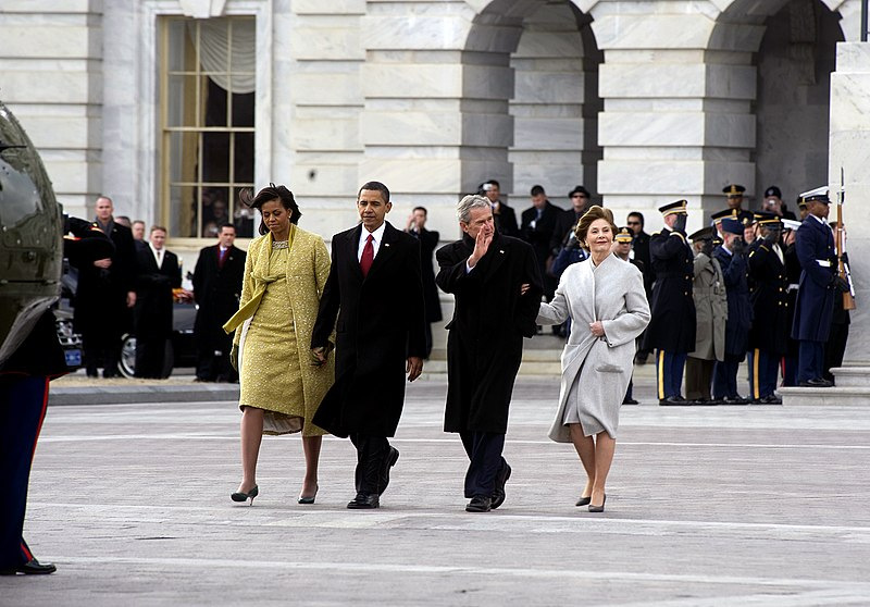 File:Obamas escort Bushes to helicopter.jpg