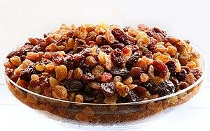 English: Raisins. Français : Raisins secs. Рус...