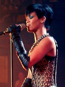 Penampilan Rihanna di Brisbane