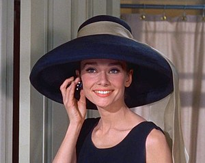 English: Cropped screenshot of Audrey Hepburn ...
