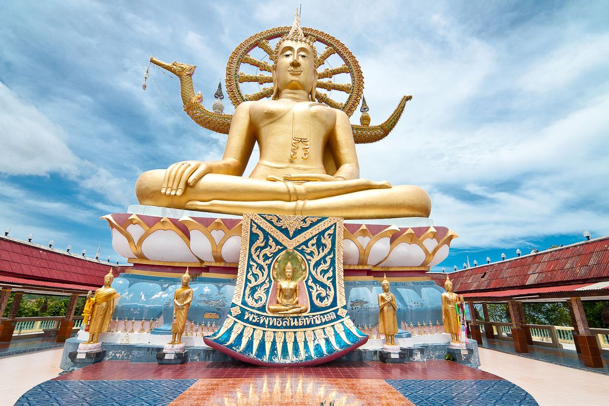 things to do in koh samui: Visit the Big Buddha Temple