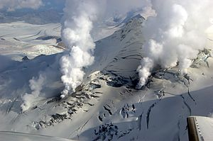 English: Fumaroles escape from Fourpeaked volc...