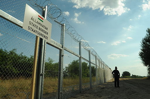Hungarian-Serbian border barrier 1