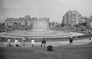 English: Tahrir Square, with the Egyptian Muse...