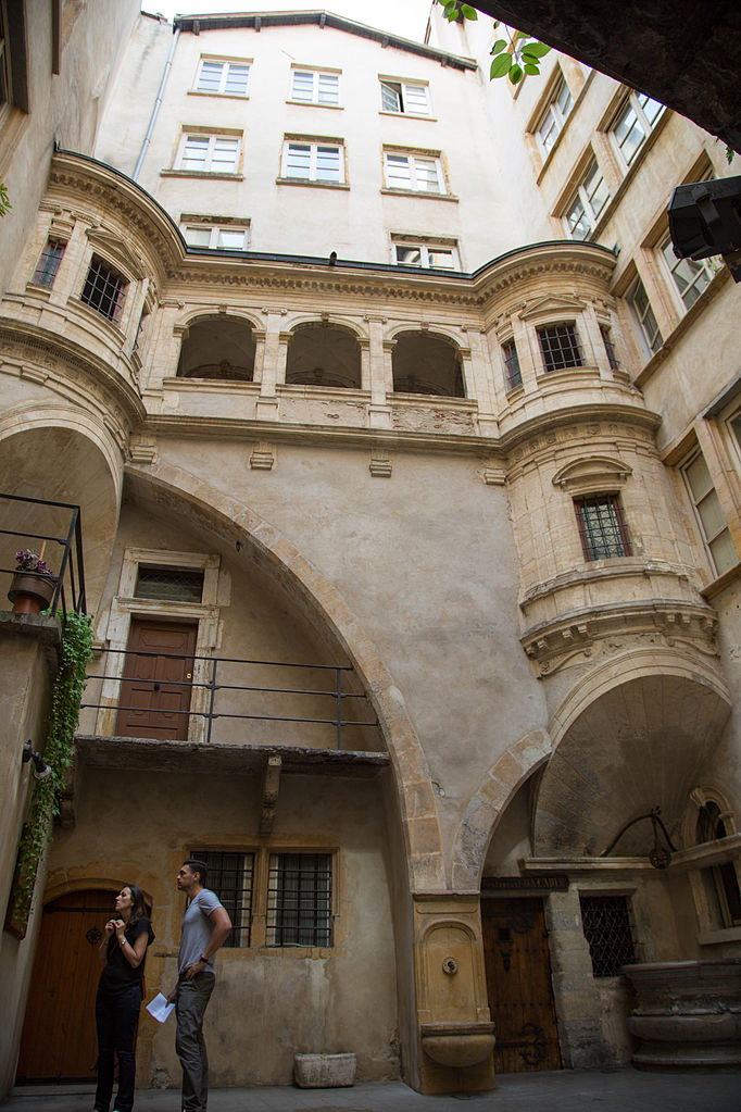 FileTraboule in Lyon France 1jpg  Wikimedia Commons