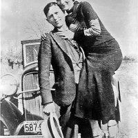 Ecoutez l'histoire de Bonnie and Clyde.