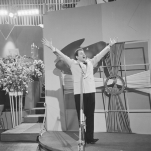 English: Domenico Modugno at the 1958 Eurovisi...
