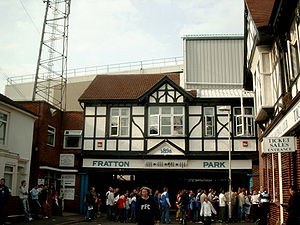 English: Entrance to Fratton Park football sta...