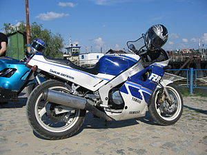 2004 gsxr 600 headlight wiring diagram ceiling fan installation yamaha fzr1000 wikipedia jpg