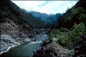 English: Lower Rogue River, Oregon, USA; view ...