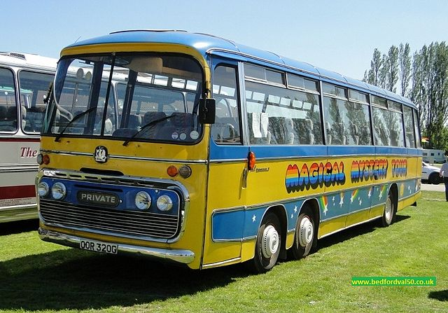 FileMagical Mystery Tour coach OOR 320G Bedford VAL 50