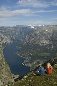 Eidfjord  Travel guide at Wikivoyage