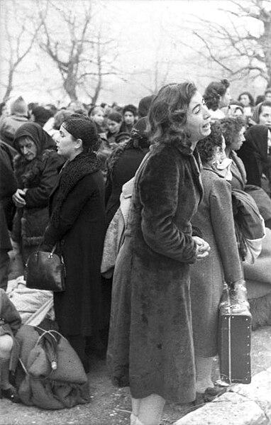 File:Bundesarchiv Bild 101I-179-1575-08, Ioannina, Deportation von Juden.jpg