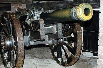 Cannone nel castello di Haut-Koenigsbourg