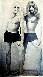 Mimi y Norma Pons en 1970.