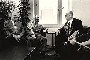 (R to L) Benjamin Netanyahu with Yasser Arafat...