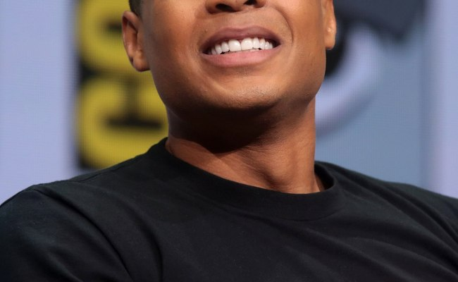 Ray Fisher Actor Wikipedia
