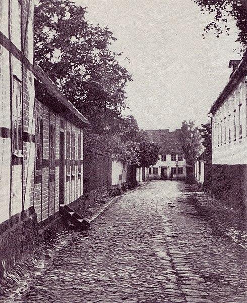 File:Vinstrupsgatan i Lund, 1860-tal.jpg