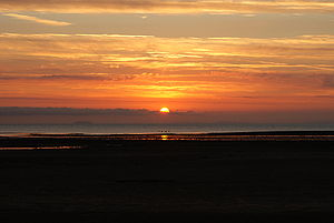 English: Sunrise over the Bristol Channel take...