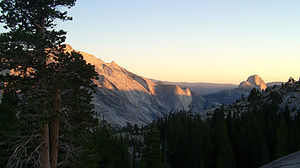 English: A view over Yosemite off California S...