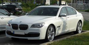 File:BMW 7er MSportpaket (F01) – Frontansicht, 7 Mai