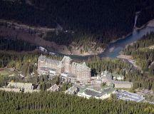 File:Fairmont Banff Springs Hotel 3.JPG - Wikimedia Commons