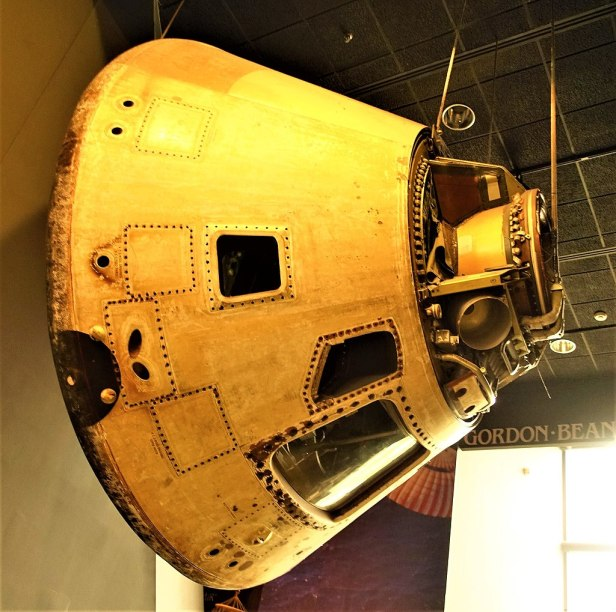 Skylab 4 Apollo Command Module - www.joyofmuseums.com - National Air and Space Museum