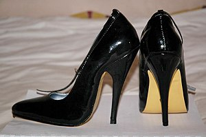 English: A pair of high heeled shoe with 12cm ...