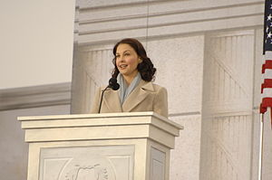 Ashley Judd at the Lincoln Memorial on the Nat...