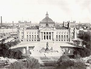 English: Berlin, memorial to Otto von Bismarck...