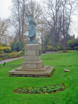 Captain Edward Smith statue - geograph.org.uk ...