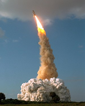 STS-31 launch of Discovery with Hubble