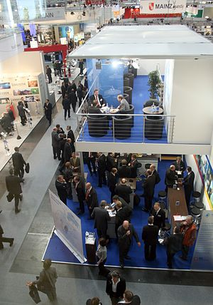 English: Trade fair for commercial real estate...