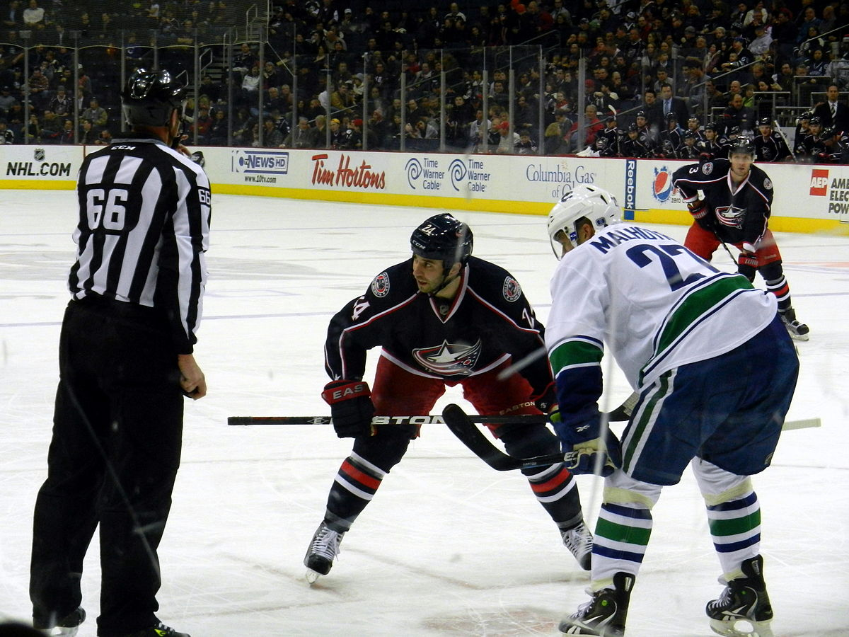 Jackets-Canucks Face-off.JPG