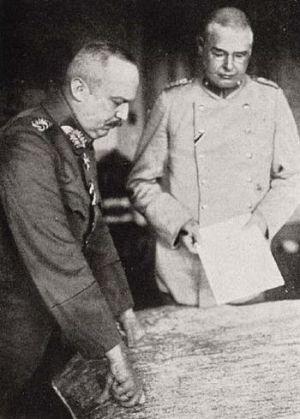 English: German general Erich Ludendorff (left...
