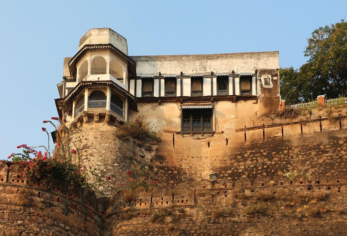 Maheshwar  Travel guide at Wikivoyage