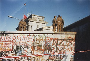 Berlin Wall on 16. November 1989.