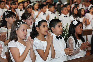 First Communion children on Wikimedia Commons