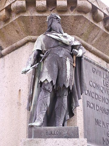 Statue of Count Rollo the Ganger of Rouen, in modern-day Rouen