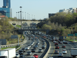 Congestion on the Don Valley Parkway in Toront...