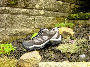 English: Karrimor shoes