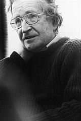 Noam Chomsky, lingüista de profesión y analista pol�tico de vocación, tiene reconocidas afirmaciones libertarias.