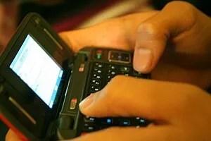 Texting on a qwerty keypad phone