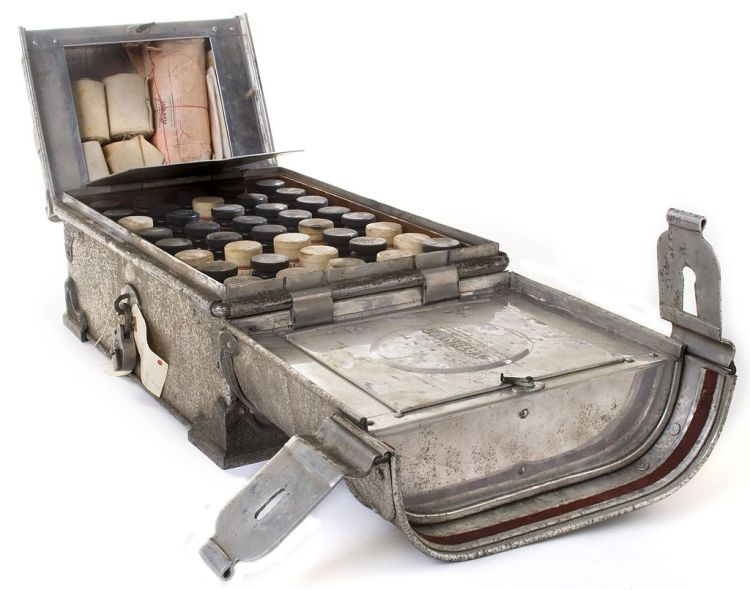 Discovery Expedition 1901 med chest