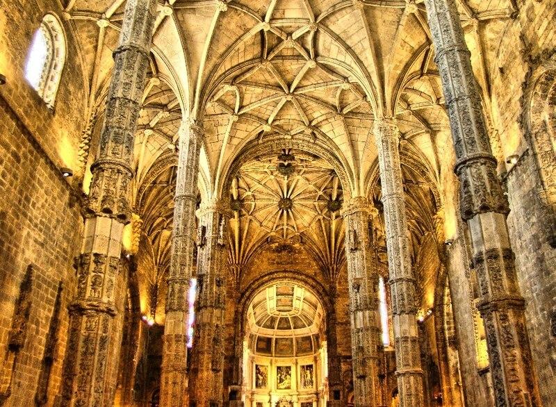 File:Interior do Mosteiro dos Jerónimos.jpg