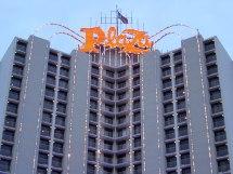 Plaza Hotel & Casino - Wikipedia