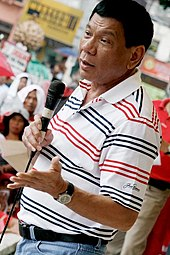 Duterte speaks with Davao City residents in 2009