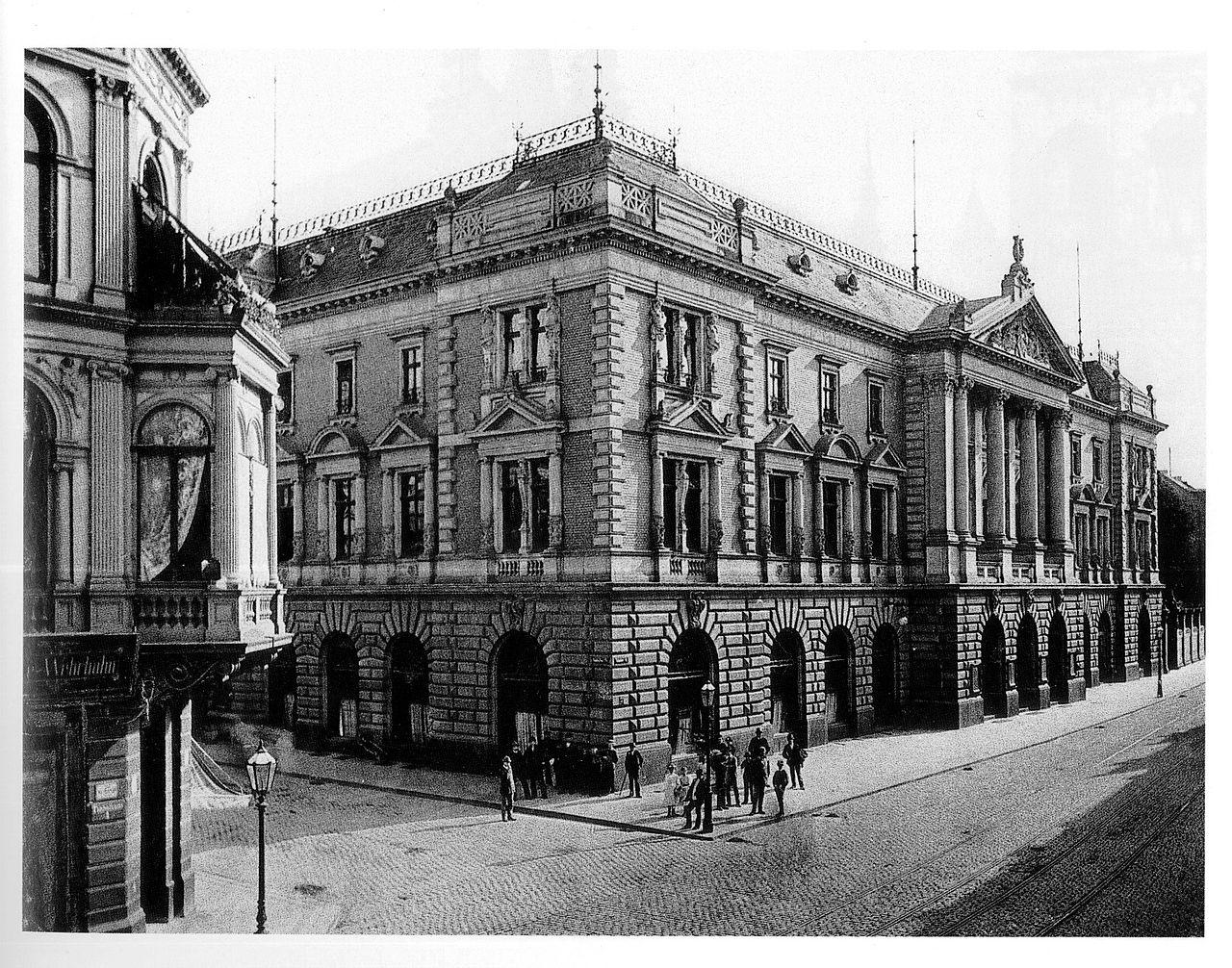 DateiAlte stdtische Tonhalle in Dsseldorf 1863